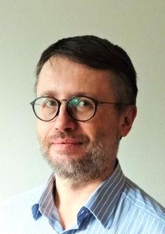 MUDr. Peter Samek, PhD.